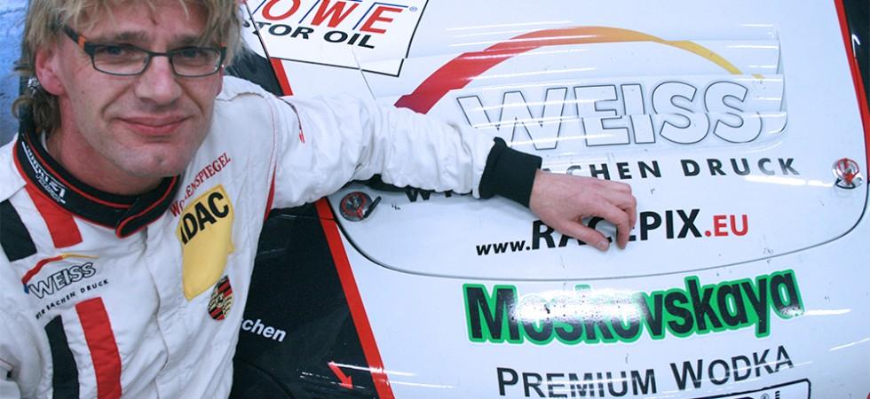 Jochen Krumbach mit dem Wochenspiegel-RSR
